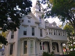 Anderson_House_Carlinville_Front_View